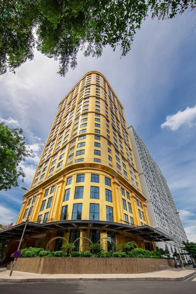 Cận cảnh tô phở sặc mùi tiền ở khách sạn dát vàng hot nhất Việt Nam, xem xong dân mạng chỉ để ý chi tiết này - Ảnh 4.