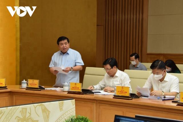 Thủ tướng yêu cầu thúc đẩy giải ngân, sử dụng hiệu quả vốn đầu tư công  - Ảnh 2.