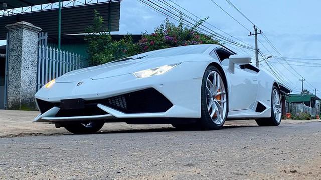 Xôn xao vụ 9X phố núi tậu Lamborghini: Phấn đấu năm sau mua thêm siêu xe Ferrari - Ảnh 2.