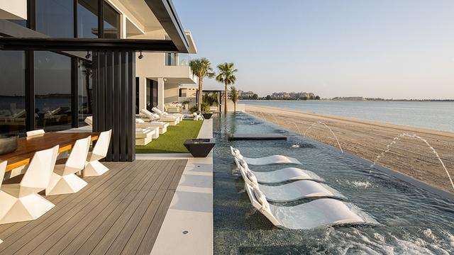 """Doanh nhân Thụy Điển rao bán căn dinh thự xa hoa có giá hơn 700 tỷ đồng tại Dubai: Sẵn sàng tặng kèm Rolls-Royce và Ferrari cho những ai """"có thiện chí"""" - Ảnh 2."""