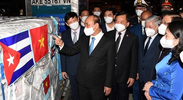"""Phía sau những liều vắc xin """"thần tốc"""" về Việt Nam: Thành tựu của ngoại giao vắc xin ở cấp cao nhất - Ảnh 1."""