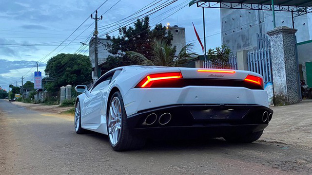 Xôn xao vụ 9X phố núi tậu Lamborghini: Phấn đấu năm sau mua thêm siêu xe Ferrari - Ảnh 3.