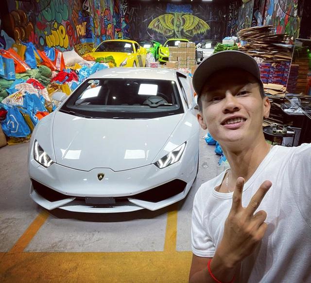 Chủ showroom tiết lộ bất ngờ về cuộc mua bán Lamborghini gần 15 tỷ với chàng trai 23 tuổi: Chốt mua sau 1 cuộc gọi, hôm sau đã chuyển đủ tiền - Ảnh 5.