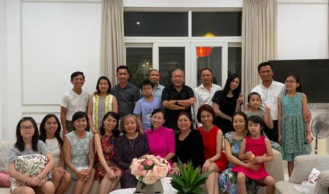 Gia tộc Sơn Kim Group: Hành trình thâu tóm hàng loạt lĩnh vực hái cả nghìn tỷ đồng, xây nhà siêu sang chiều chuộng giới thượng lưu - Ảnh 9.