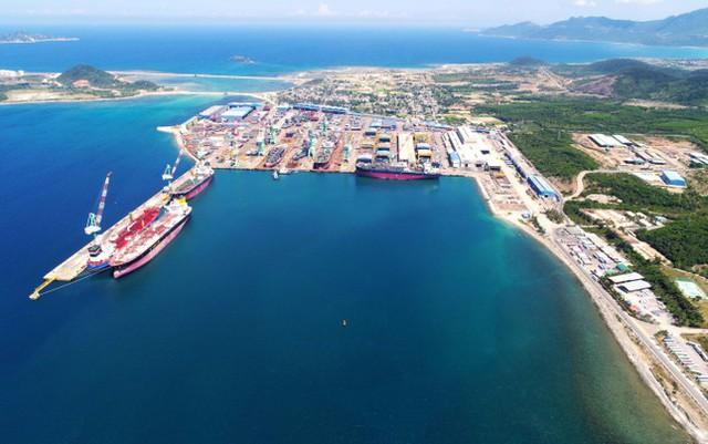 Khánh Hoà quy hoạch Vân Phong thành cảng trung chuyển quốc tế lớn trong khu vực - Ảnh 1.