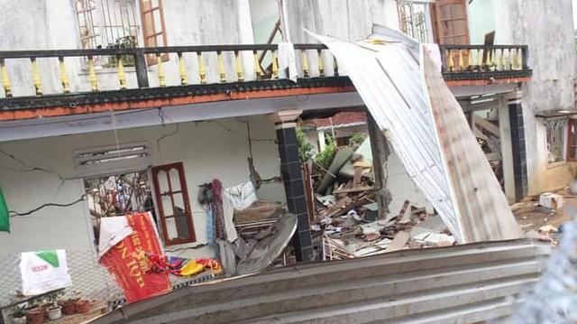 Hiện trường vụ nổ như bom ở Quảng Nam khiến căn nhà 2 tầng bị hất tung, thi thể nạn nhân không còn nguyên vẹn - Ảnh 5.