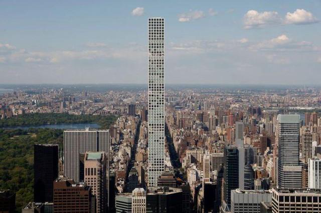 Cư dân tòa tháp cao và đắt nhất thế giới khốn đốn vì ngập nước, thang máy hỏng - Ảnh 1.