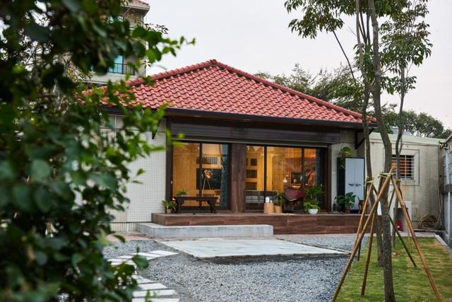 Ngôi nhà vườn ngập tràn yêu thương, đầy nắng gió và cây xanh của vợ chồng trẻ ở Nhật - Ảnh 2.