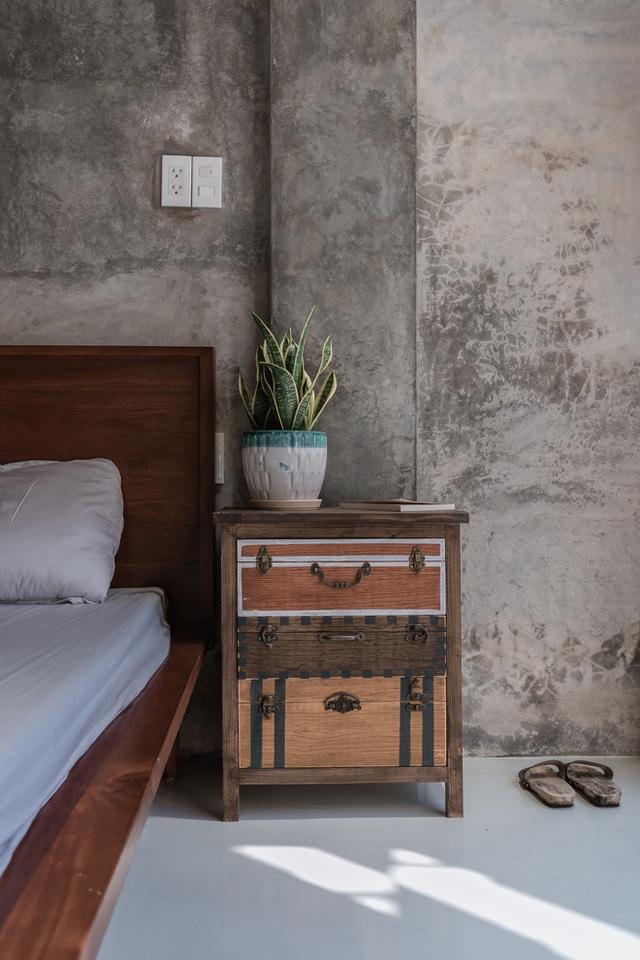 Xiêu lòng với ngôi nhà 30m2 sâu trong hẻm nhỏ Sài Gòn, mặt tiền toàn gạch gốm hút gió và ánh sáng trên cả tuyệt vời - Ảnh 12.