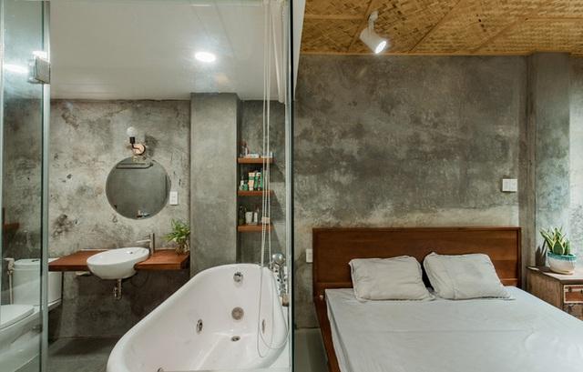 Xiêu lòng với ngôi nhà 30m2 sâu trong hẻm nhỏ Sài Gòn, mặt tiền toàn gạch gốm hút gió và ánh sáng trên cả tuyệt vời - Ảnh 13.