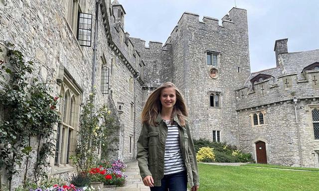 Nàng công chúa HOT nhất hiện nay: 15 tuổi đã nắm trong tay vận mệnh của đất nước, đánh bại con gái nhà Công nương Kate - Ảnh 12.