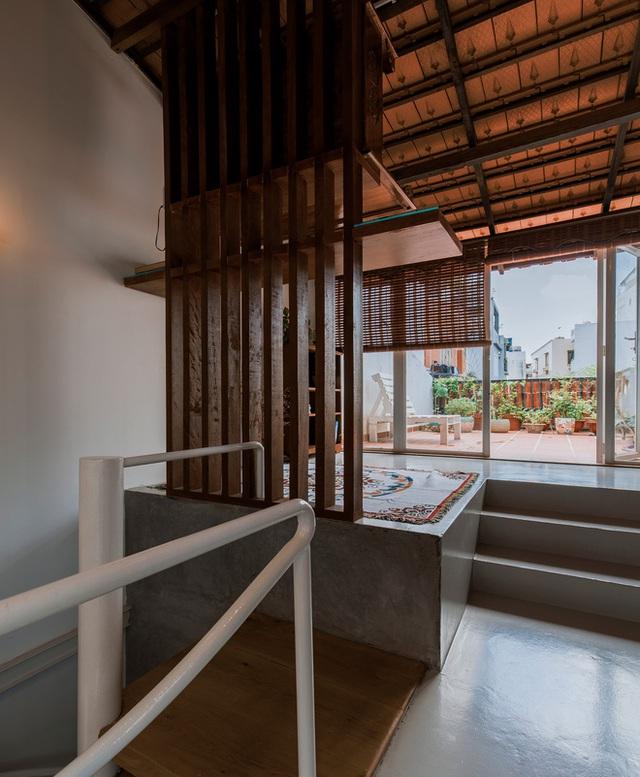 Xiêu lòng với ngôi nhà 30m2 sâu trong hẻm nhỏ Sài Gòn, mặt tiền toàn gạch gốm hút gió và ánh sáng trên cả tuyệt vời - Ảnh 21.