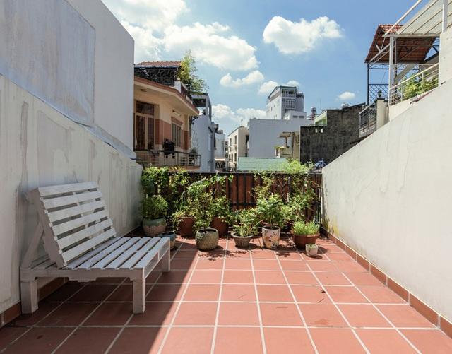 Xiêu lòng với ngôi nhà 30m2 sâu trong hẻm nhỏ Sài Gòn, mặt tiền toàn gạch gốm hút gió và ánh sáng trên cả tuyệt vời - Ảnh 22.