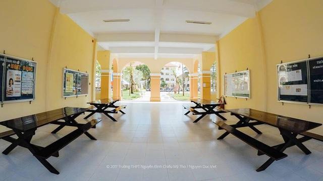 Trường THPT gây trụy tim vì đẹp như tranh: Những dãy nhà vàng lung linh dưới nắng, đứng ngắm 1 lúc mà dịu cả tâm hồn - Ảnh 10.