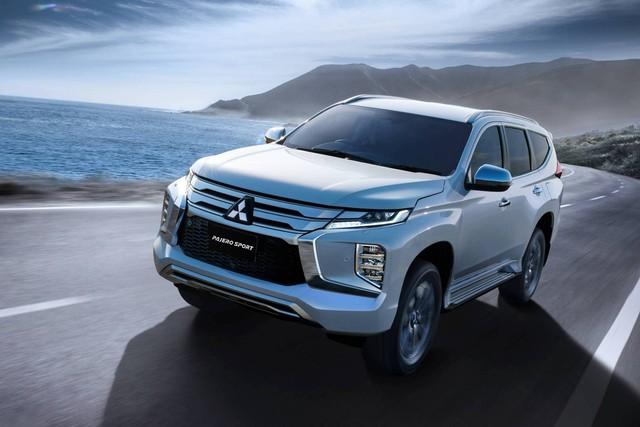 Loạt ô tô giảm giá sâu trên thị trường cuối tháng 9, có mẫu bay 200 triệu đồng - Ảnh 4.