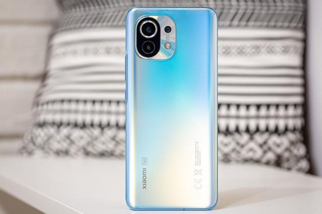 Loạt smartphone giảm giá mạnh đầu tháng 9, cao nhất gần 15 triệu đồng - Ảnh 2.