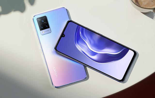 Loạt smartphone giảm giá mạnh đầu tháng 9, cao nhất gần 15 triệu đồng - Ảnh 3.