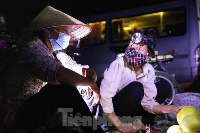 Đội đèn xuyên đêm bán bưởi Phúc Trạch đặc sản  - Ảnh 14.
