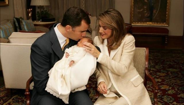 """Chuyện về nàng công chúa Tây Ban Nha: Vừa ra đời đã là """"cứu tinh"""" của hoàng tộc, 13 tuổi được in hình lên đồng xu, là nữ vương tương lai nhỏ tuổi nhất châu Âu - Ảnh 1."""