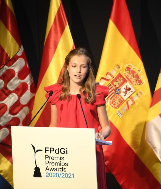"""Chuyện về nàng công chúa Tây Ban Nha: Vừa ra đời đã là """"cứu tinh"""" của hoàng tộc, 13 tuổi được in hình lên đồng xu, là nữ vương tương lai nhỏ tuổi nhất châu Âu - Ảnh 4."""