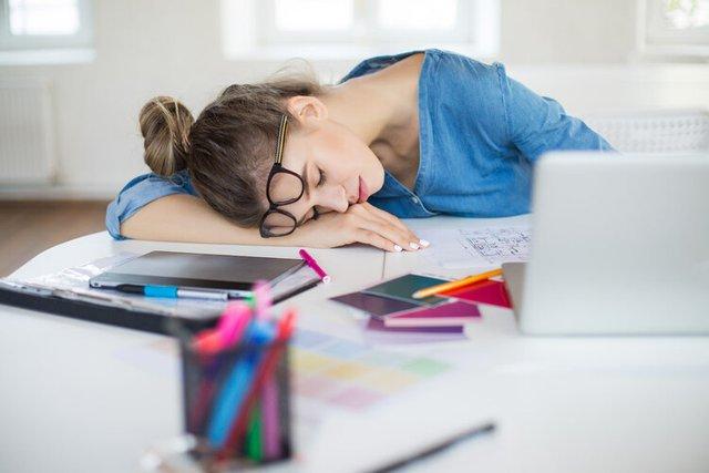3 cách ngủ trưa sai lầm đang SÁT HẠI tuổi thọ mà chính bạn không hề hay biết: Nếu không muốn gia tăng nguy cơ tử vong thì đừng nên quên - Ảnh 1.