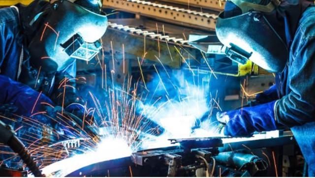 Doanh nghiệp sản xuất công nghiệp kiến nghị được hoạt động khi 70% lao động đã tiêm vắc xin - Ảnh 1.
