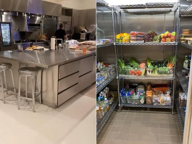 Bếp của người có 1,2 tỉ đô trông như thế nào? Mời bạn theo Kim Kardashian để biết thêm chi tiết! - Ảnh 2.