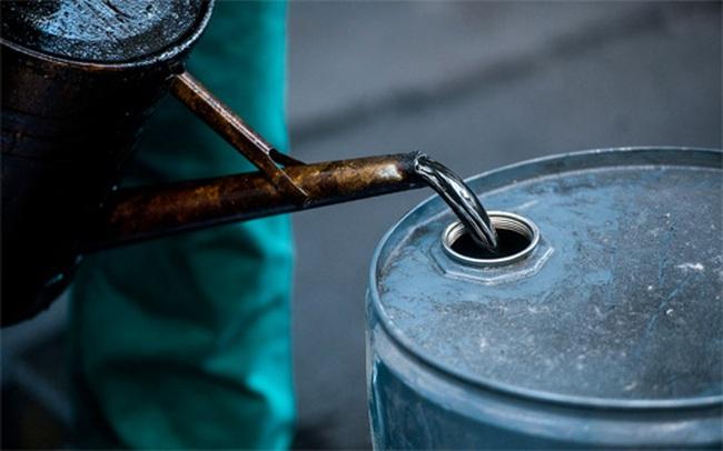 """""""Ẩn số giá dầu"""" trong ngân sách Việt Nam 2015"""