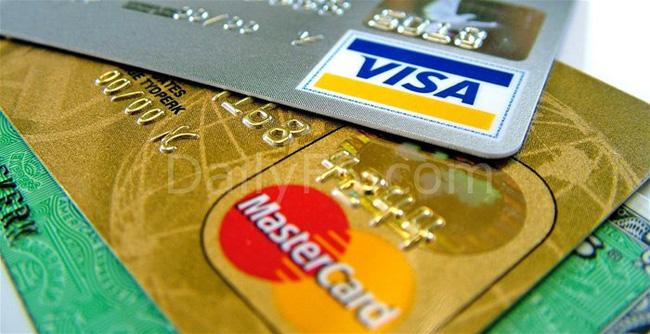 Tháng củ mật và thẻ ATM