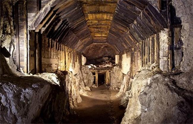 'Cuộc chiến' 300 tấn vàng