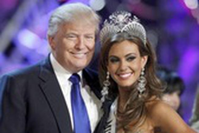 """Donald Trump bị tố """"thổi phồng"""" tài sản cá nhân"""
