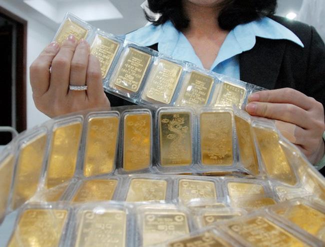 Giá vàng giảm xuống 35 triệu đồng/lượng
