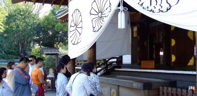 Tokyo rung chuyển vì ngôi đền nổi tiếng bị đánh bom