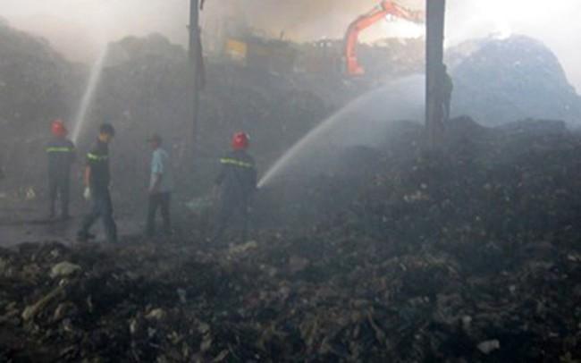 Cháy lớn thiêu rụi 1.000 m2 nhà xưởng công ty môi trường Đồng Xanh