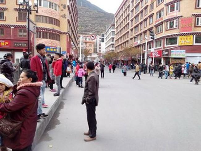 Động đất 5 độ Richter tại Trung Quốc, 1.700 ngôi nhà bị hư hại