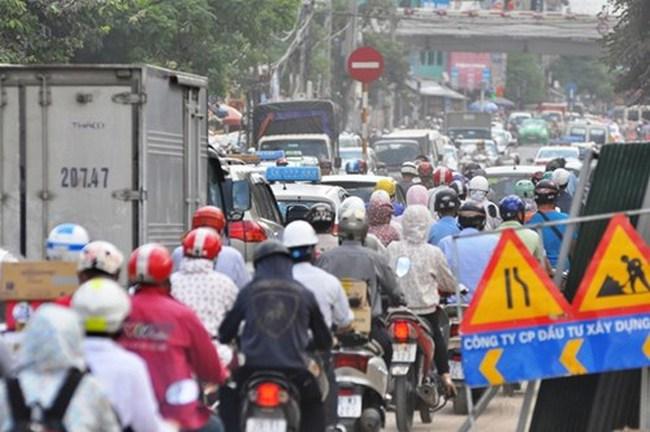 30 hộ dân chưa nhận tiền đền bù, ùn tắc kéo dài ở đường Trường Chinh