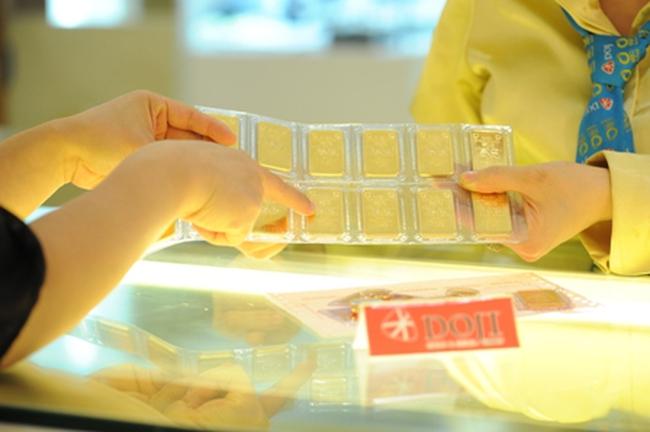 Chênh lệch giá vàng trong nước và thế giới còn chưa đến 3 triệu đồng/lượng