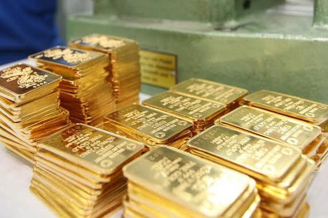 Chênh lệch giữa vàng trong nước và thế giới tiếp tục tăng