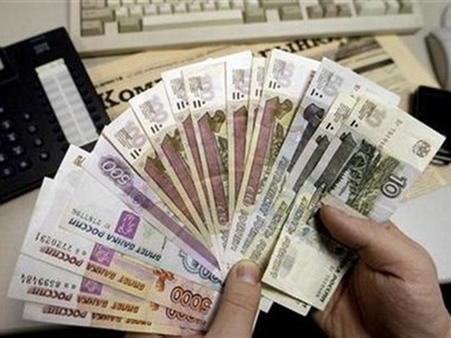 Đồng ruble tăng giá thắp sáng hy vọng phục hồi của kinh tế Nga