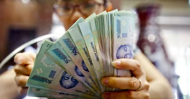 Ngân hàng ngoại nói gì về quyết định phá giá VND?