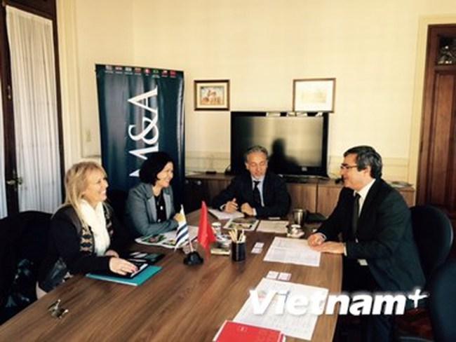 Việt Nam thúc đẩy hợp tác kinh tế, thương mại với Uruguay