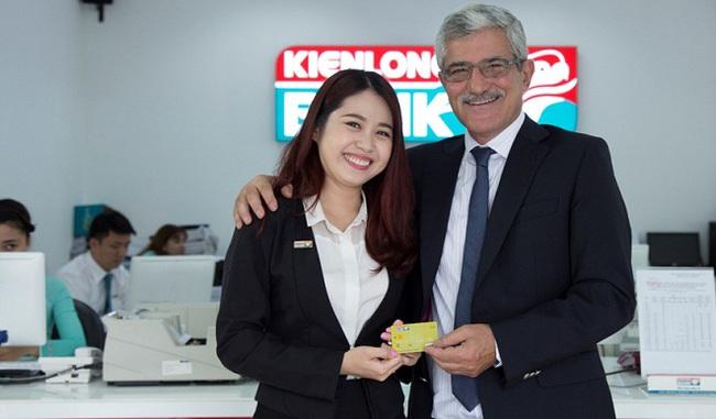 Ra mắt thẻ Visa, Kienlongbank gia nhập cuộc chơi lớn