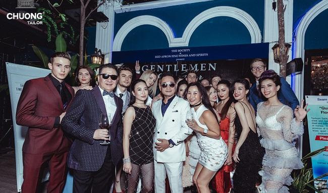 Chương Tailor và Cacdemonde tổ chức biểu diễn thời trang quyên góp ủng hộ đồng bào Miền Trung