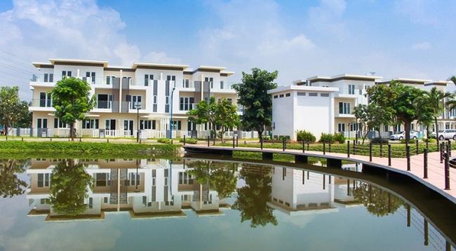 Nhà liền kề xây sẵn ở khu Đông TPHCM hút khách