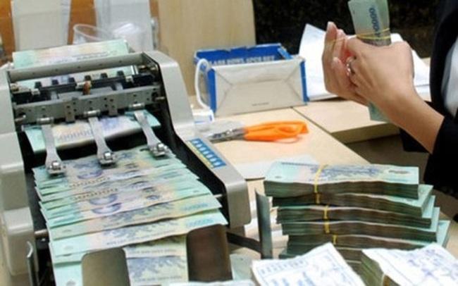 Lãi suất huy động tăng vọt nhưng đa số người gửi tiền không được hưởng