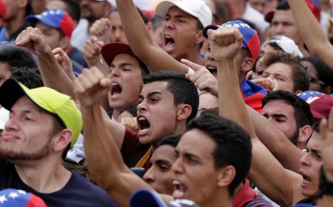Lạm phát 500%, người Venezuela được tăng lương 40%