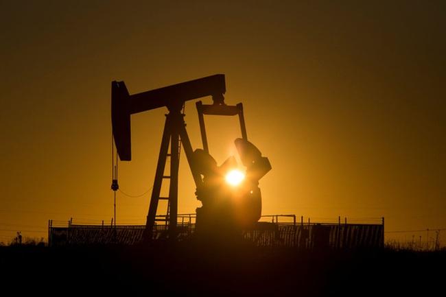 """""""Thế giới sẽ không còn thừa dầu vào năm tới"""""""
