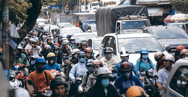 """Clip: Những ngày này ai cũng phải kêu trời """"Chuyện gì ở trung tâm Sài Gòn thế, kẹt xe gì mà kẹt vô lí thế?"""""""