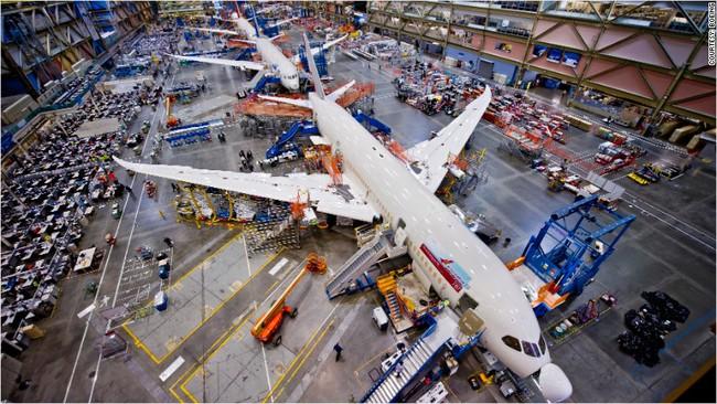 Không phải do giá Air Force One quá đắt, đây mới thực sự chính là điều mà Donald Trump khiến giới lãnh đạo hãng Boeing phải đau đầu
