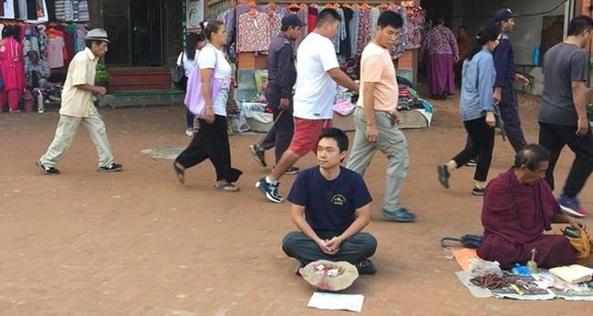 Một du khách người Việt đã thử đóng vai ăn xin ở Nepal và kết quả nhận được thật bất ngờ